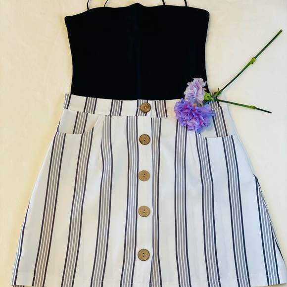 🌸 SHEIN Stripe button down Skirt 🌸